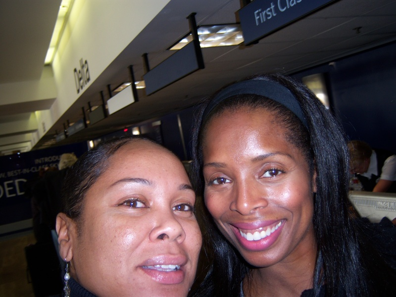 Sidra Smith has a twin sister..... Tasha Smith